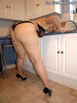 Chubby Cellulite Butt Twerking in High Heels
