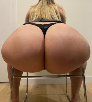 Thick White Ass Twerking