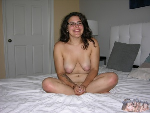 Amateur BBw Teen Nude with Glasses