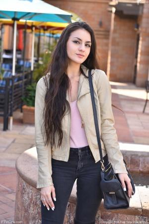 Curvy Teen Coed in Skinny Jeans