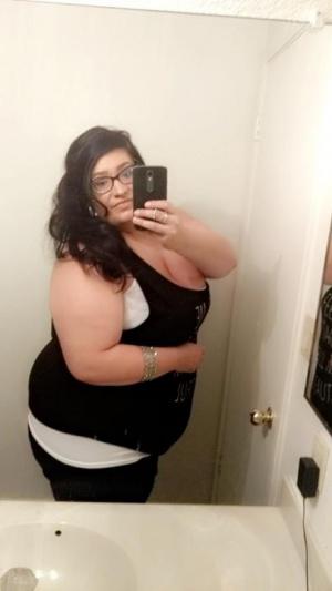 Homemade Amateur BBW Wife Selfie
