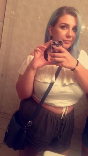 Slutty BBW Teen Selfie