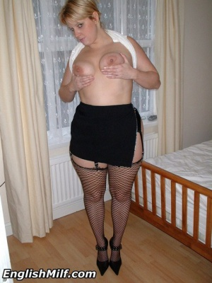 Big Ass Amateur Wife in Fishnet Pantyhose