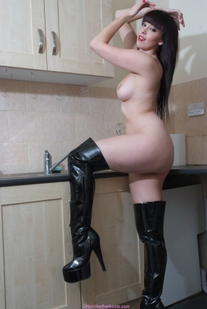 Busty PAWG in Shiny Latex Boots