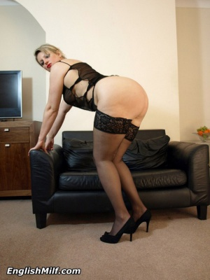 big ass milf twerking high heels