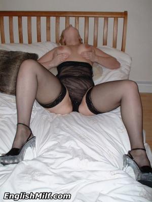 Big Booty Blonde MILF Dildo Solo