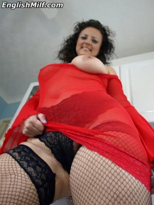 Big Booty Mature MILF Upskirt