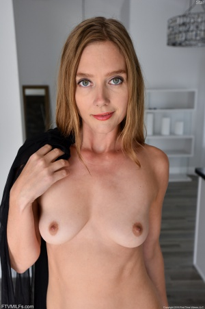 Busty Fitness MILF Facial