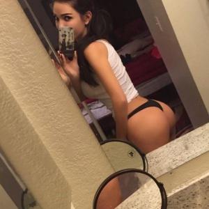 Real Teen Bubble Butt Selfie