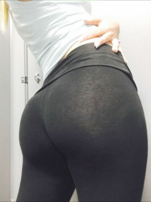 Wide Ass in Yoga Pants