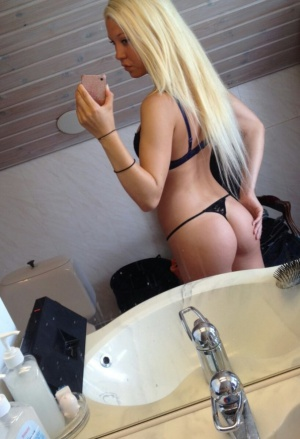 Big Booty Thong Twerking
