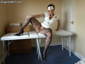 Big Butt MILF Pussy Spreading in Pantyhose