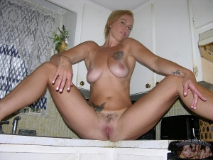 Big Butt MILF with a Smoothly Shaved Pussy