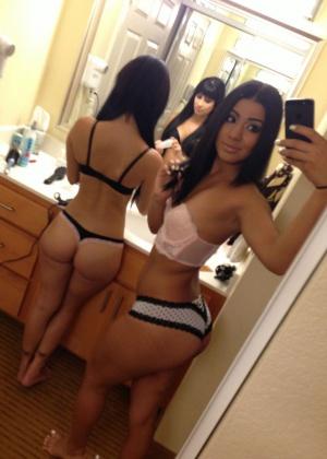 Juicy Tanned Ass Bathroom Selfie