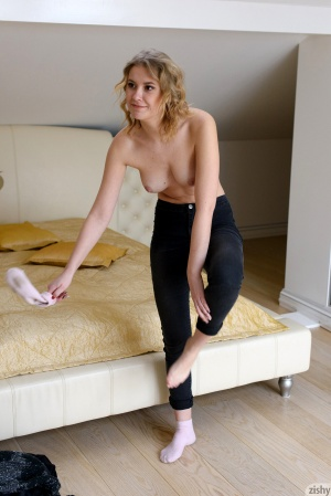 Blonde Girl with Nice Tits in Skintight Jeans
