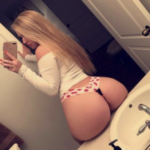 Bubble Butt Blonde Backshot