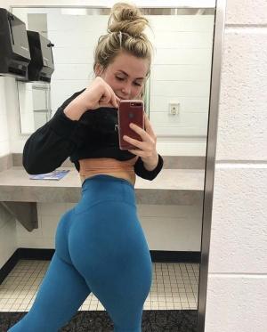 Bubble Butt Teen Bathroom Selfie