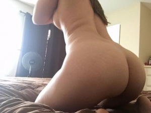 Amateur Bubble Butt Twerking
