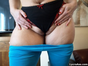 Extra Thick PAWG with Fat Thighs in Spandex