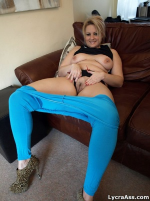 Nice Fat Legs Spread Wide in Spandex