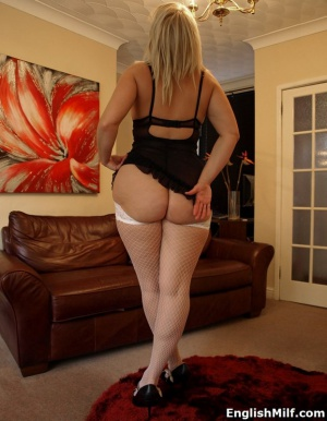Chubby BBw MILF with a Fat Cellulite Ass