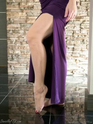 Seductive Long Legs and Pretty Feet