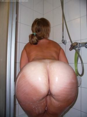 Fat Ass Super Tan White Girl