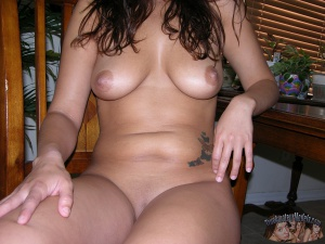 Curvy Italian Babe with Perfect Big Tits