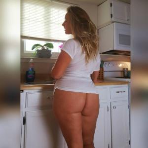 Massive White Ass in a Short Minidress