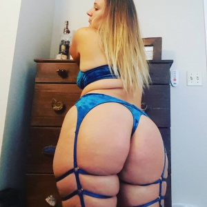 PAWG Cellulite Ass Shaking