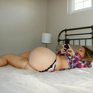 Bubble Butt PAWG Mom