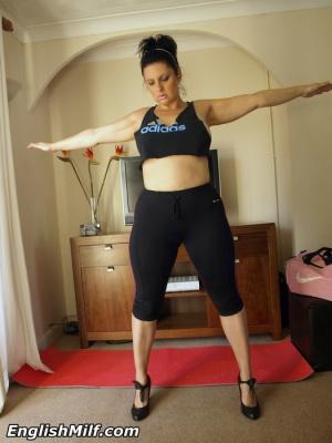 Fat Ass Amateur Workout in Yoga Pants