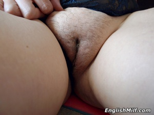 Big Fat Shaved Pussy Upskirt