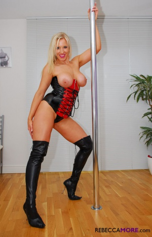 Thick Ass Latex Stripper Pole Dance