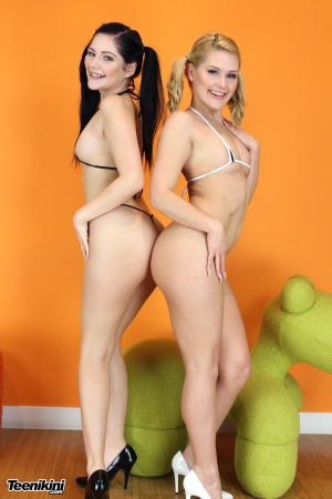 Huge Ass Grinding Bikini Teens