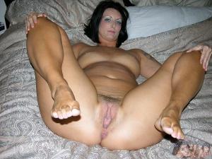 huge ass mature milf pierced pussy spreading