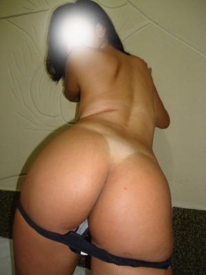 Huge Tanned Booty Twerking