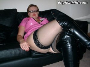mature bubble butt leather boots