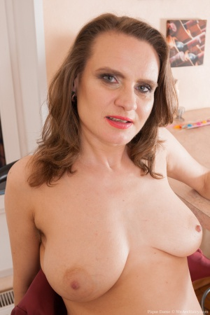 Mature Granny Housewife with Huge Natural Tits