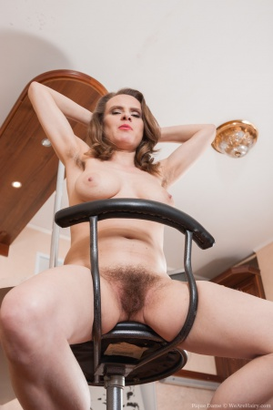 Curvy Mature Mom with Hairy Armpits