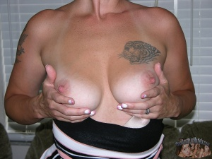 Nude Amateur MILF with Big Tits