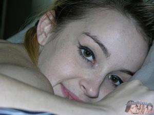 Nude Amateur Teen Babe Alexia Gold