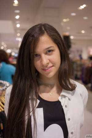 Slutty Amateur Teen Facial in Public