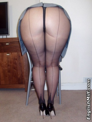 Fat Bubble Butt Bent Over in Seamed Pantyhose