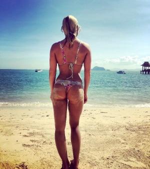 Amateur Beach Bikini Ass