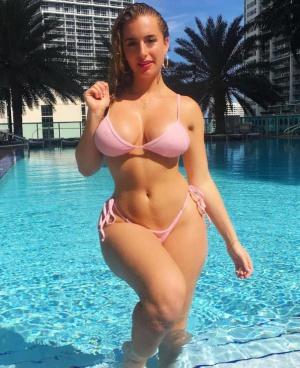 Bikini Girl with Wide Hips and a Small Waist