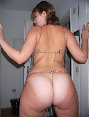 Tanned Fat Ass White Girl with Big Hips